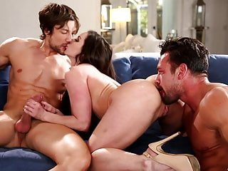 Kendra Lust in un trio hardcore