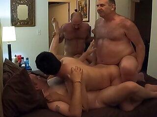 BeartoyLA's 5-way daddy orgy – Part 1