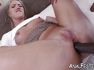 Babe in raw missionary fuck with bbc...