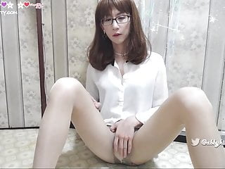 Chinese secretary Masturbating her cock and cum