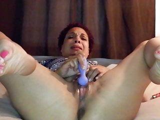 Nikki Diamondz wont stop cumming even for a knock!