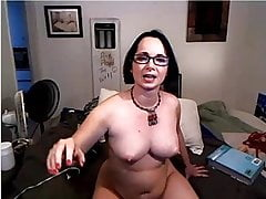 hot mom playing for the webcam
