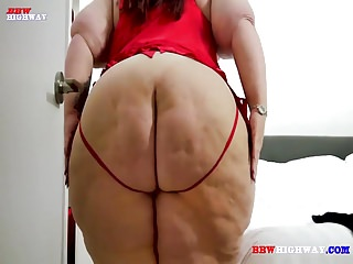 Mature ssbbw with monster ass takes cock...