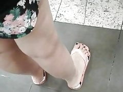 candid feet - feet in the supermarket 01