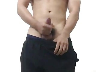 muscled chinese man show off (30'')