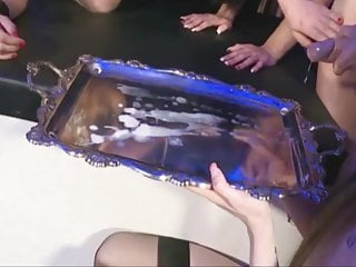 queen eats cum of a silver platePorn Videos