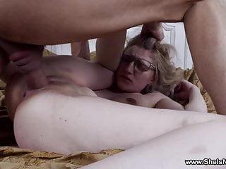 She Is Nerdy – Lizi Smoke – Nerdy coed casual fuck hookup