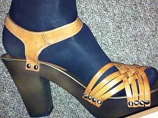 Cum On Heels 4