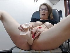 Mom fucking dildo on webcam