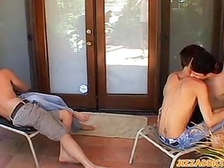 Skinny twinks drilling facial...