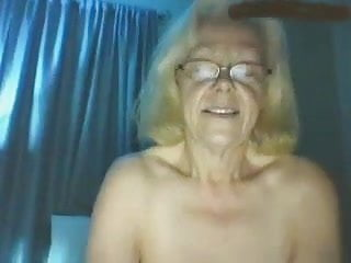 humming Grandma 2 her cum with Linda buddy times