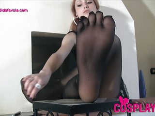 Redhead schoolgirl with special five toes pantyhose