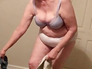 Granny strip her clothes...