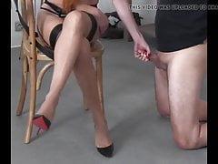 small dicked whiteboi gets a humiliating handjob