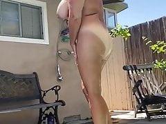 55Yo American Wife