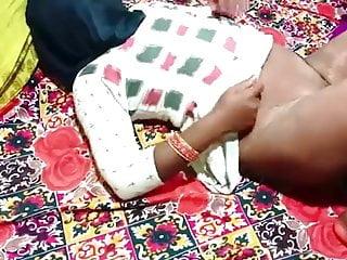 Aunty ko kiraya dene gya or chudai kardi
