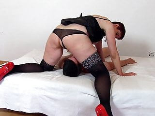 Sitting on the face and licking the toes. Horny milf Libuse