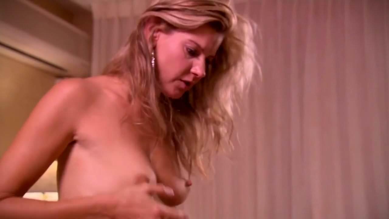 Forró lányok pornó cső