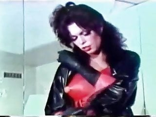 Vintage Shemale Guy Fucks Shemale Shemale porno: vintage shemale clips
