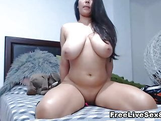 Finger Busty her Babe Cunt on Fuck Lesbian