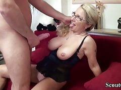 German MILF seduce his new worker to Fuck on Work