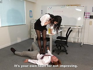 Hard facesittng and trampling...