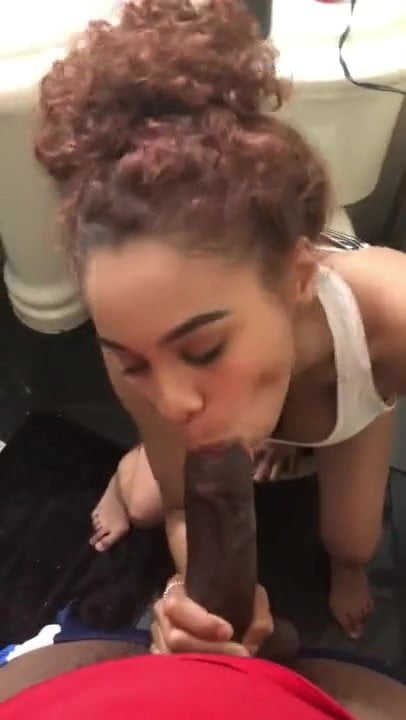 Teen Ebony Thot Sucking