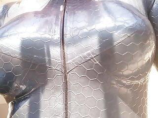 Hot Selfie Video Arya Grander in latex Rubber catsuit selfie
