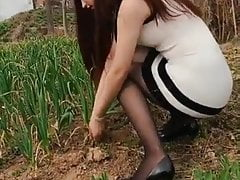 Asian girls woth long legs pantyhose and heels 4