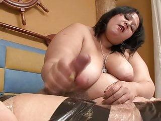 Bbw latina femdom does facessitng...