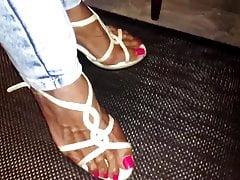 Mature Latinas Lady sexy Legs feet and high heels