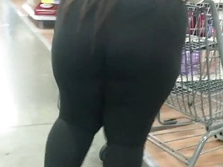 VPL Black Phatty walking in see-thru tights