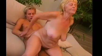 Old Granny Still Love Pervert Sex Amateur Girl Masturbating