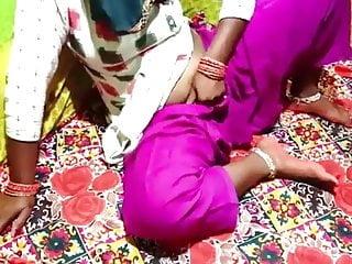 भारत की प्यारी डांसर से कामुक बेब