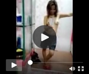 cute Asian cam girl masturbates thrice a day