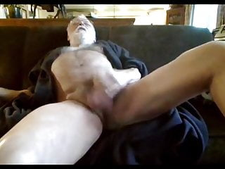 سکس گی Relaxing in My Robe masturbation  hd videos daddy  bear  american (gay) amateur
