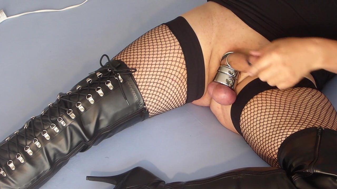 Amateur Lesbian Anal Dildo