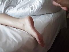 Flitser en gevangen en dan masturberen op de voeten