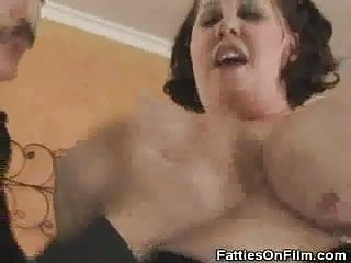 Bbw mastubrates and gives nasty head...