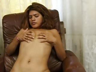 6-movies.com - Latina bezahlt fuer Strippen und Masturbieren