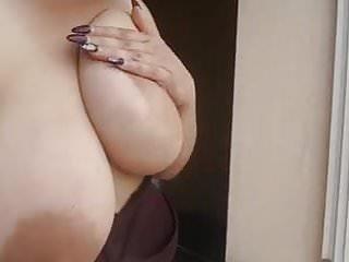 Dicken Titten Am Fenster - Bild 3