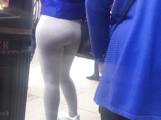 Candid Stroll 30 – Tight Ass Yoga Pants