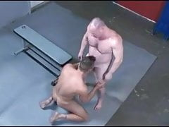 Fighting Turns To Fucking With Muscle Bear And Younger Hunk