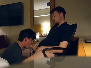 Two handsome twinks bareback in hotel