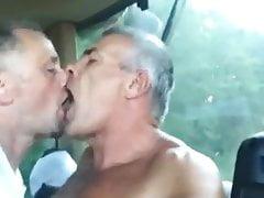 Middle-Aged LOVE: DEEP KISSING-BJ-DEEP KISSING-HJ-BJ-KISS