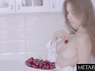 Sexy girl 039 big tits jiggle through...
