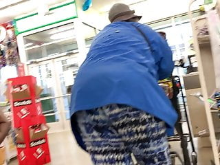 Black granny Ssbbw bending over, leaning, posing, teasing, showing deep wedgie