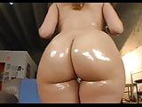 Beauty with a BIG booty gets nailed