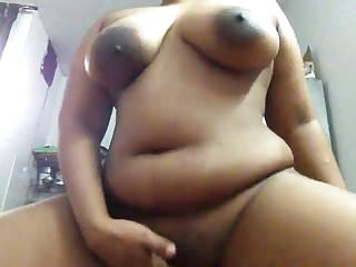Indian milf bitch doing cam fun with online...