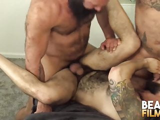 Bearfilms latino bottom julian torres fucked bears...